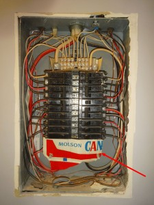 Kelowna-Home-Inspectors-Building-Pro-electrical-panel-problems